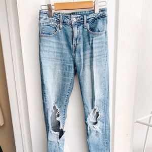 LEVI'S 721 High Rise Skinny Ripped Jeans (size 25)